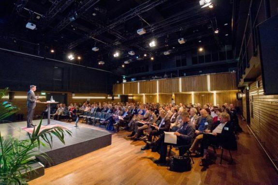 seminars_header-768x512